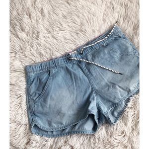 ROXY blue light wash chambray drawstring shorts